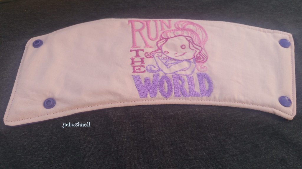 Run the World Cozy to Go Cup Wrap Front